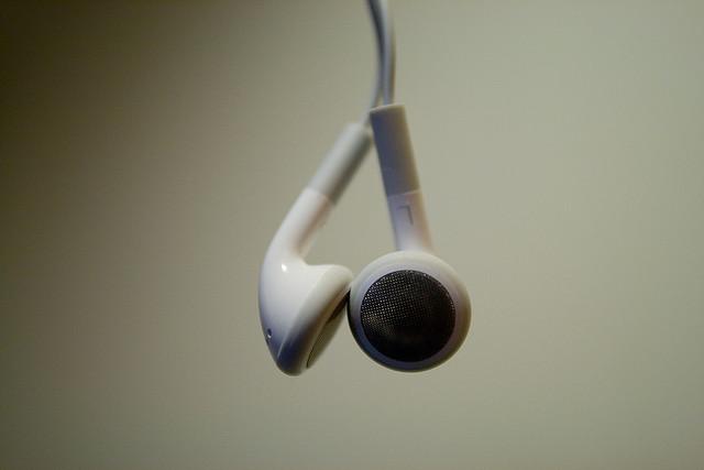 écouteurs par Tal Atlas on Flickr