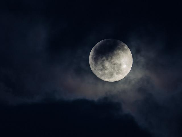 pleine lune par VinceFL on Flickr